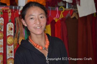 画像3: カムパのダシェー飾りとダシェー(赤と黒)のセット