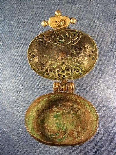 画像3: 銀製アンティーク・ガウ チベット密教御守り箱