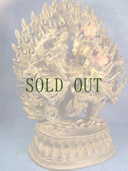 画像1: チャクラサンヴァラのヤブユム(四面二十四臂歓喜仏) 鍍金アンティーク仏像 (1)