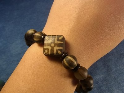 画像2: ミゾラムのパムテック(アンティーク)と羊角の数珠珠のブレスレット