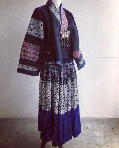 画像2: 貴州省  布依族(プイ族) 刺繍・ろうけつ・藍染め ジャケット(木綿)